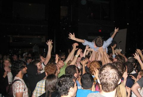 Crowd_surfing_during_dan_deacon_set